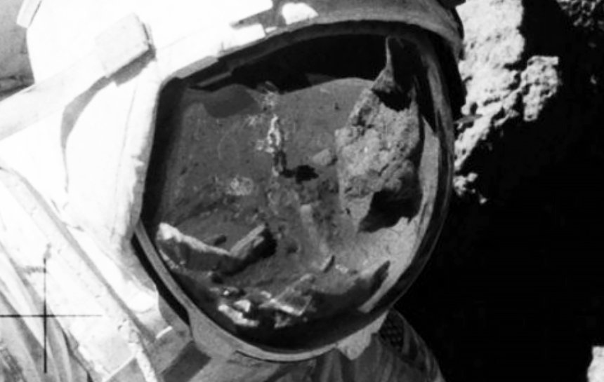 Теории заговора: НАСА никогда не высаживались на Луну