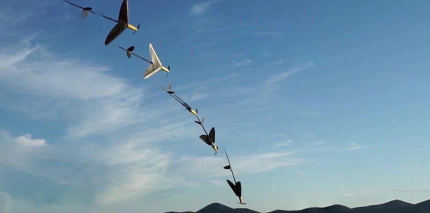Создан дрон, который может не только летать, но и плавать