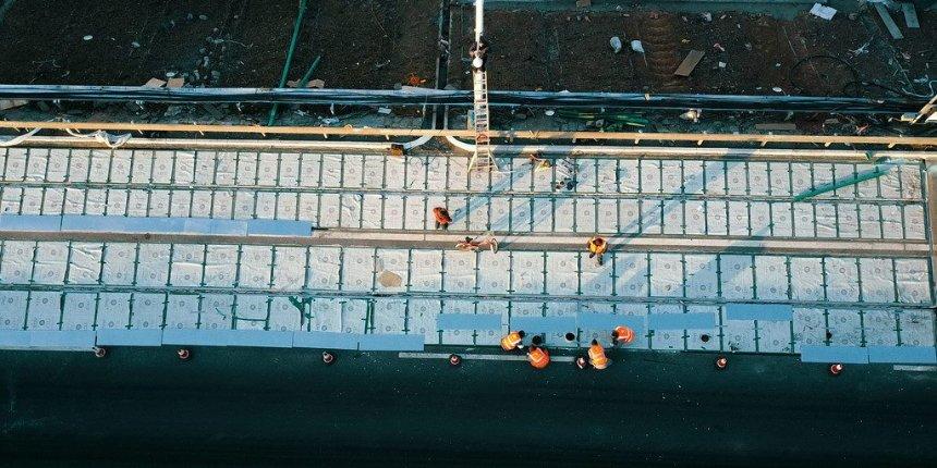 В Китае началось массовое производство дорог с солнечными панелями