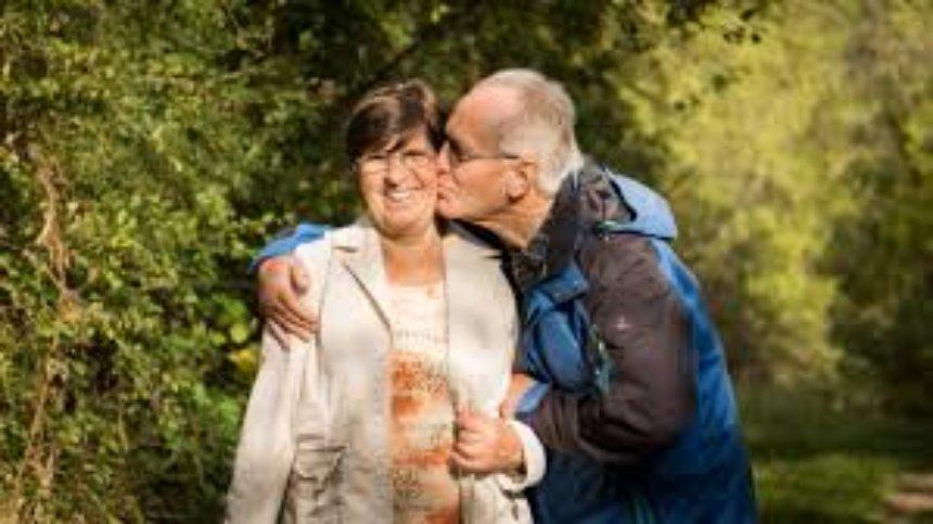 Среди счастливых людей оказалось больше женатых