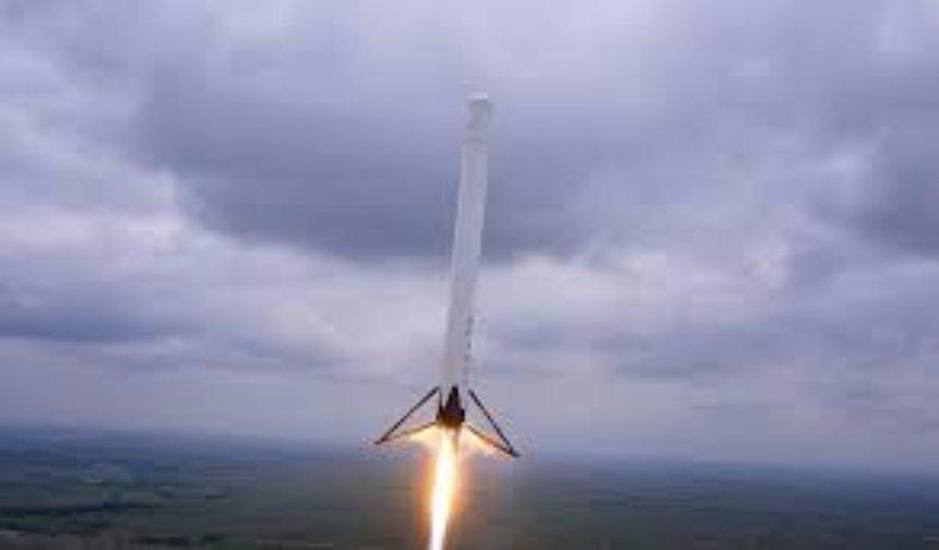 Первый запуск ракеты SpaceX's Falcon Heavy случится в 2018 году