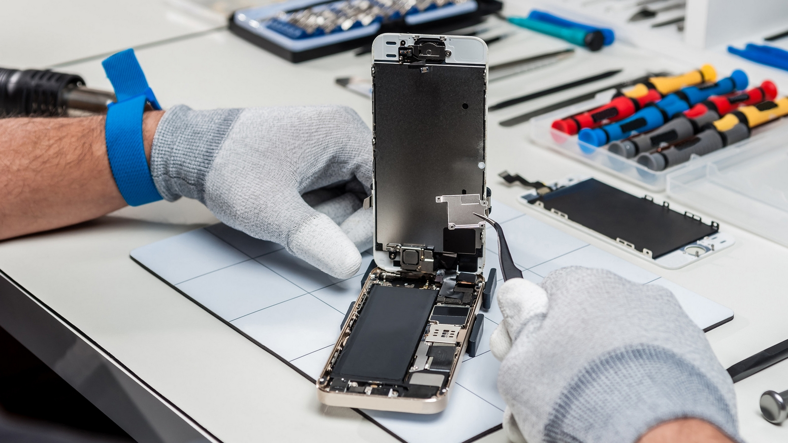 Где ремонтировать технику Apple?