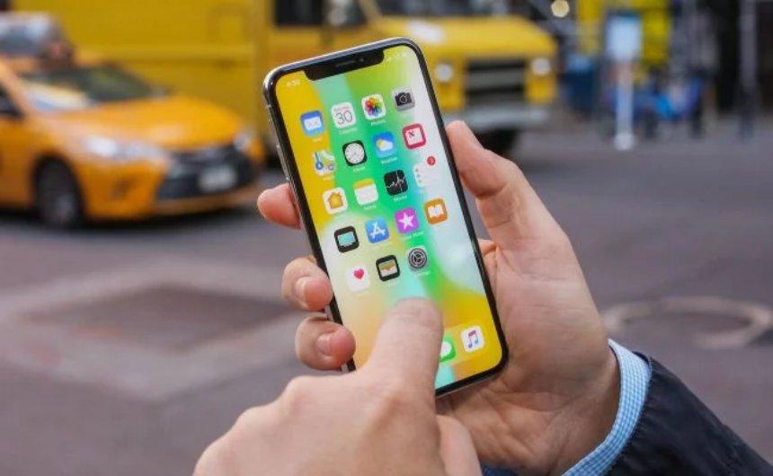 Смартфоны без батарей снимут с продажи в США