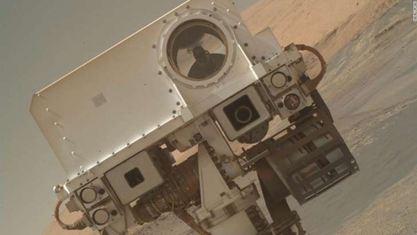 Марсоход Spunky Mars Rover отправил селфи с Красной планеты