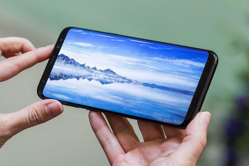 Samsung будет создавать смартфоны из уникальных материалов