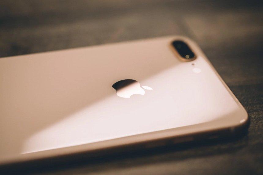 На  Apple продолжают подавать иски по всему миру