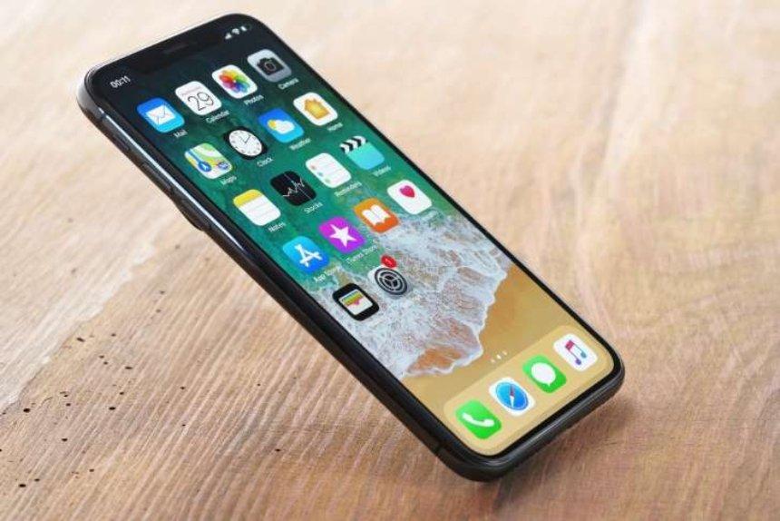 Модель iPhone X 2018 года получит большую батарею