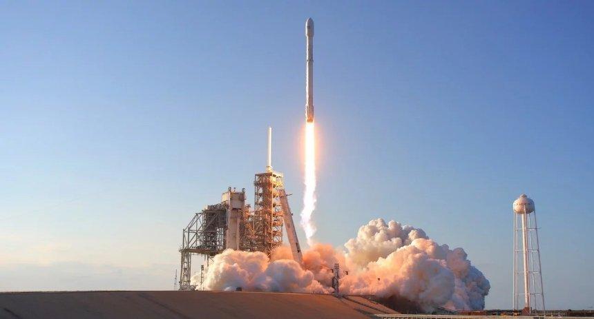 Компанией SpaceX были запущены спутники для раздачи интернета