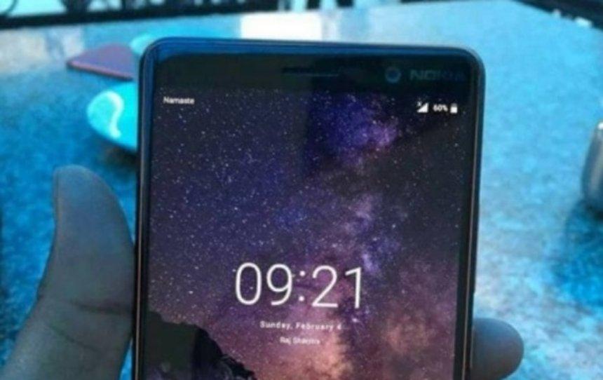 В Сети появился первый живой снимок Nokia 7 Plus