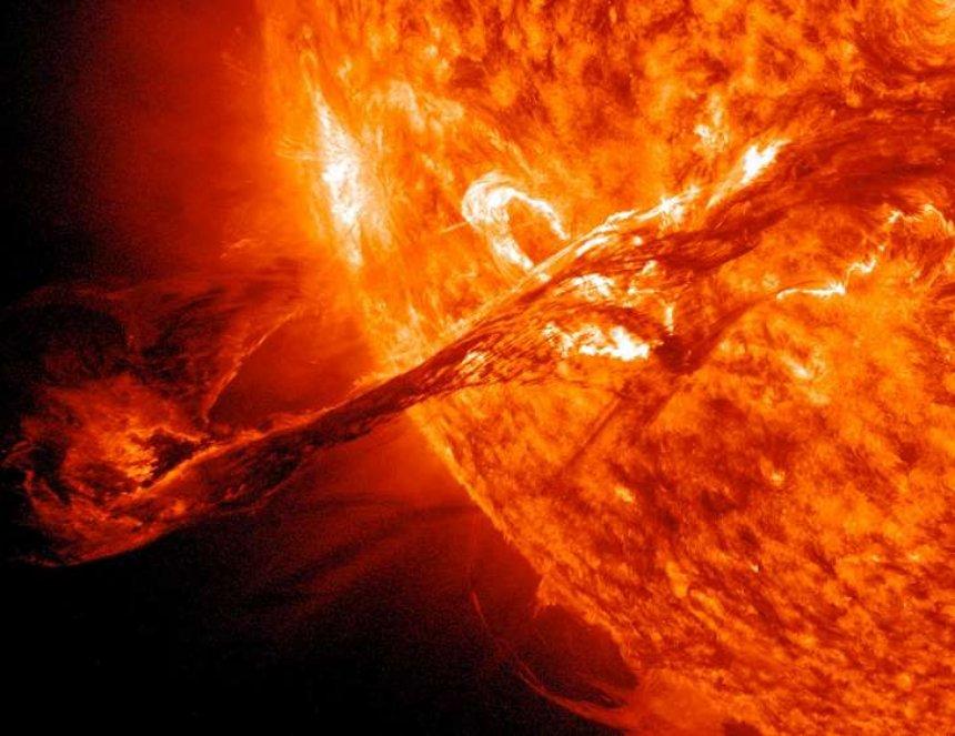 Сегодня Земли достигнет магнитная буря