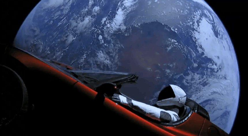 Орбитальный автомобиль Тесла не прилетит на Землю до 2091 года