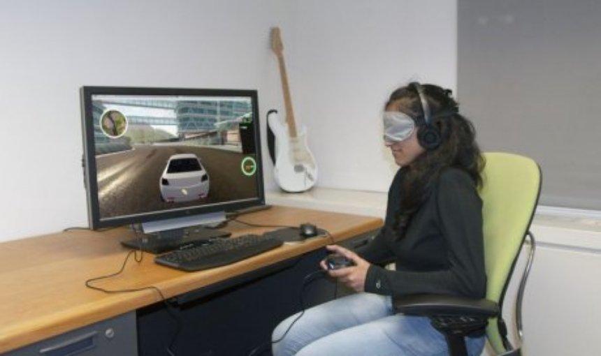 Слепые люди смогут играть в гонки благодаря новой технологии