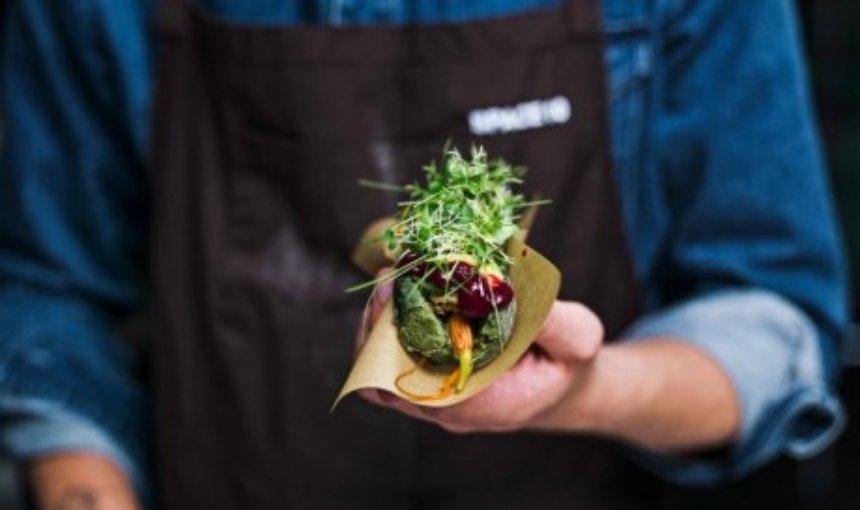 IKEA создает блюда, включающие водоросли, червей и даже жуков