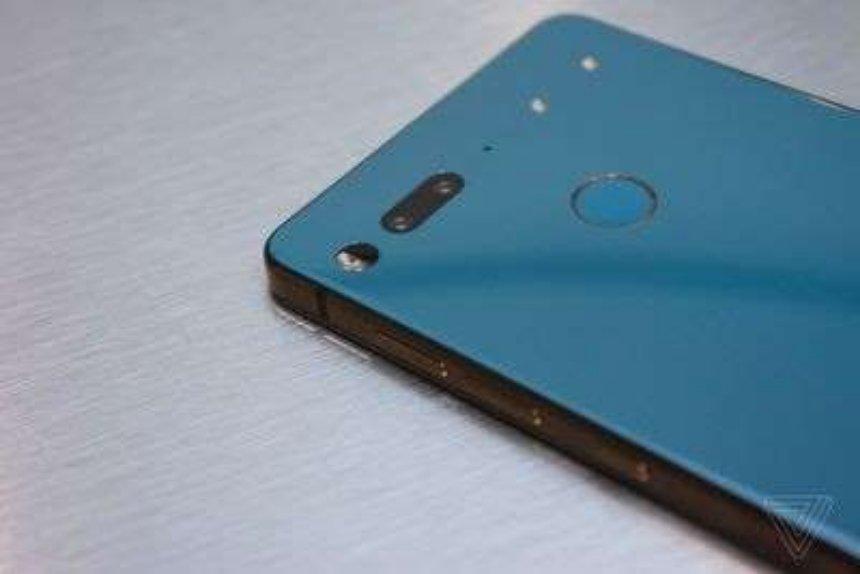 Смартфон Essential Phone получил новые цвета