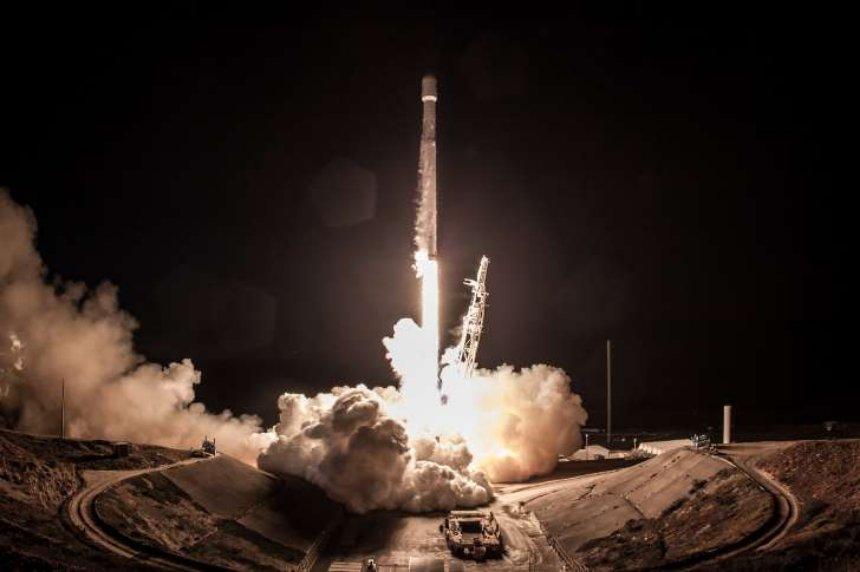 SpaceX планирует запустить пять ракет за месяц