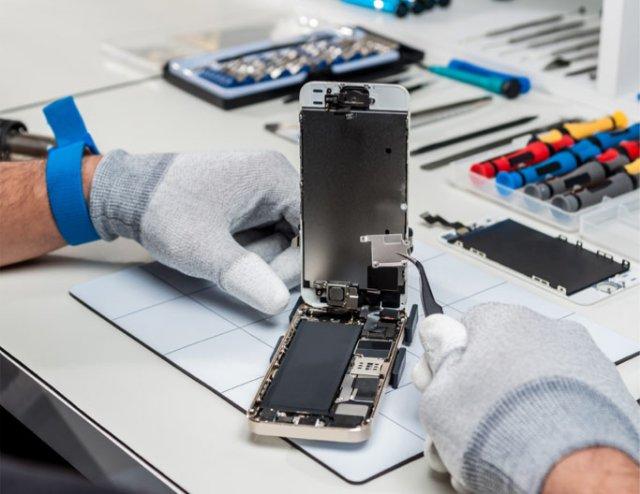 Вызов мастера для ремонта IPhone в любое время суток