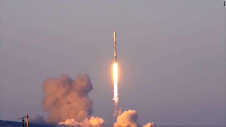 Во время запуска ракеты SpaceX разбился конус стоимостью 6 миллионов долларов