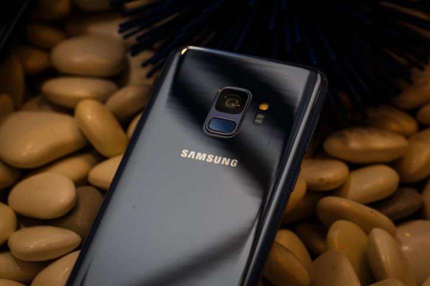 Samsung выпустила телефон, который не подключается к интернету