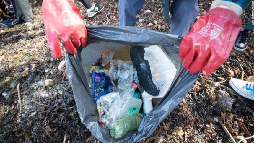 Ученые нашли фермент, который съест мусор из пластика