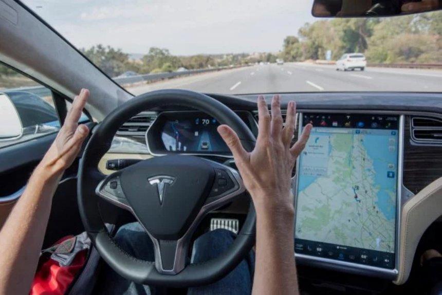 Стали известны подробности аварии с участием Tesla Model S