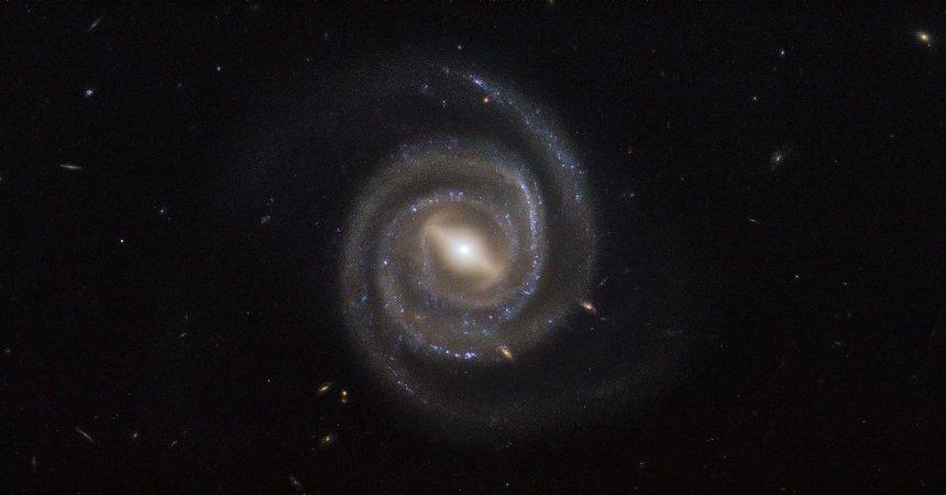 Астрономы обнаружили галактики без звезд