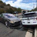 Водитель Теслы обвиняет в аварии автопилот