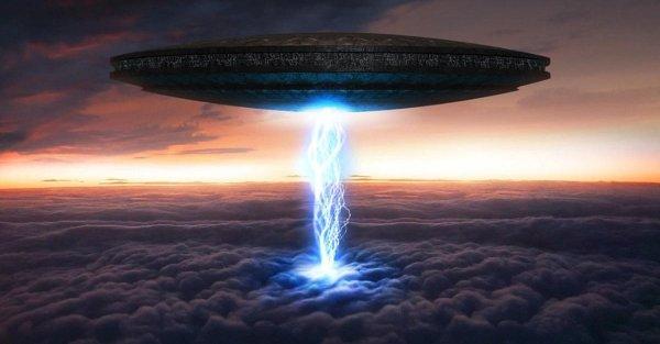 Жители Шотландии стали свидетелями настоящего НЛО перед грозой