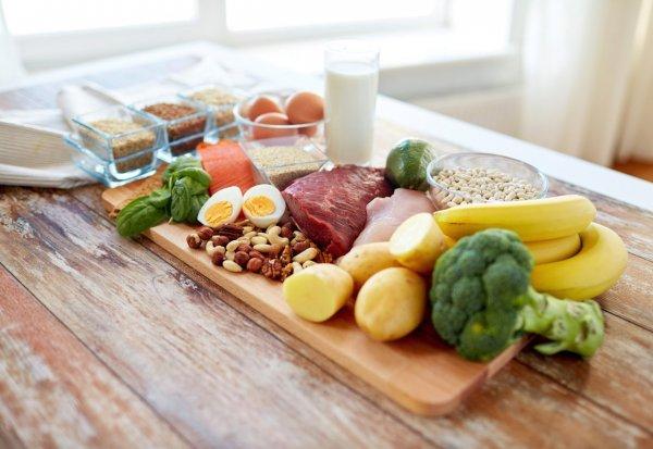 Диетологи назвали продукты, которые можно есть и не толстеть