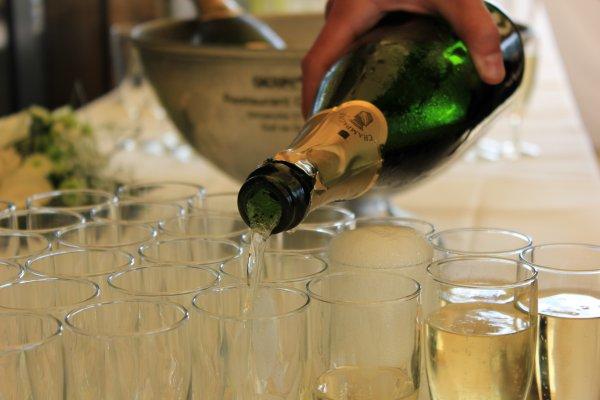 Во Франции появилось шампанское для праздников в космосе