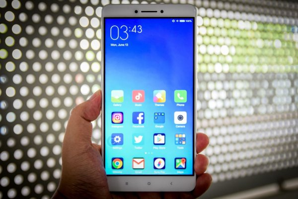 Xiaomi представит «лопатофон» Mi Max 3 в начале июля