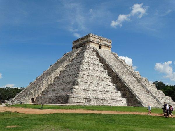Развалины древнейшей пирамиды нашли археологи в Мексике