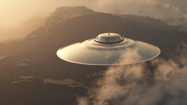 Уфологи: Корабли инопланетян засняты с МКС в прямом эфире