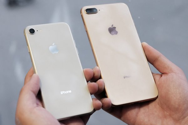 Apple не будет бесплатно ремонтировать бракованные динамики