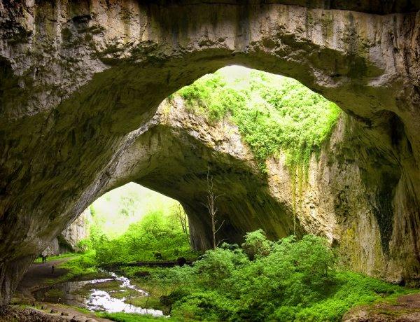 Ученые ищут второй путь в открытой пещере возле «Тавриды»