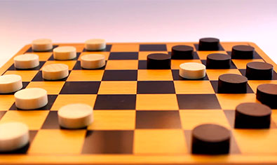 Где играть в шашки онлайн?