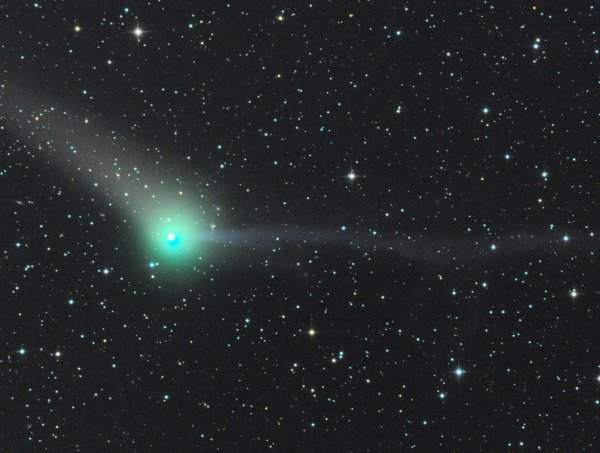 Можно увидеть в бинокль: Сегодня недалеко от Земли пройдет опасная комета
