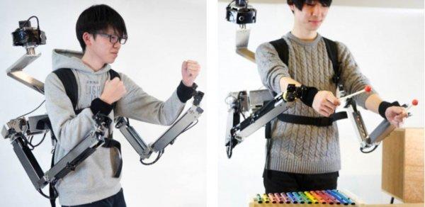 Японские ученые создали роботизированные руки с удаленным управлением