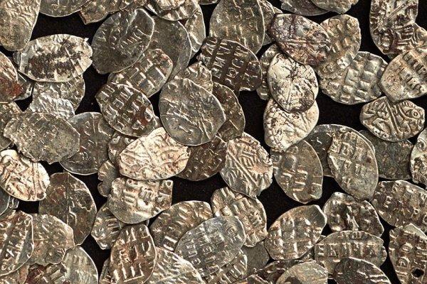 В Подмосковье археологи обнаружили древний клад времен Ивана Грозного