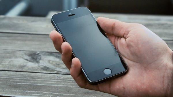 Обновление iOS на iPhone 5s «вырубает» заднюю камеру и фонарь
