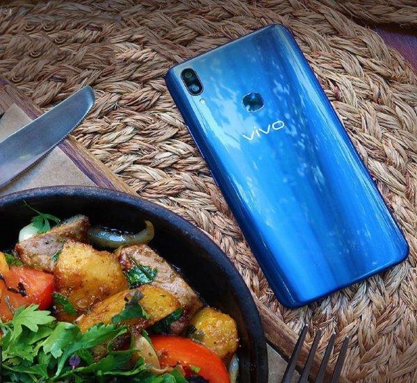 Голосовой помощник назвал дату анонса нового смартфона Vivo