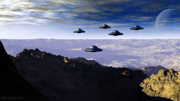 Пришельцы следят за землянами?: В Аризоне заметили три странных НЛО