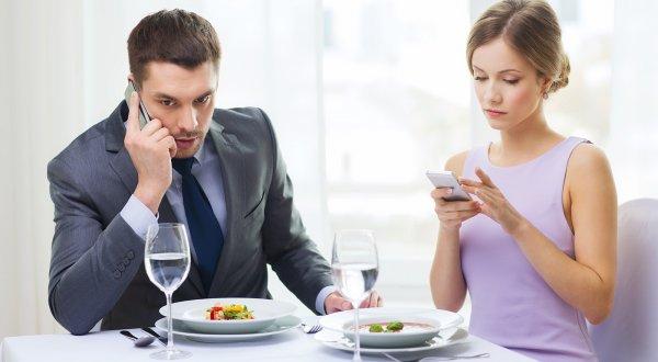 Россияне готовы пожертвовать здоровьем ради смартфона - Эксперты