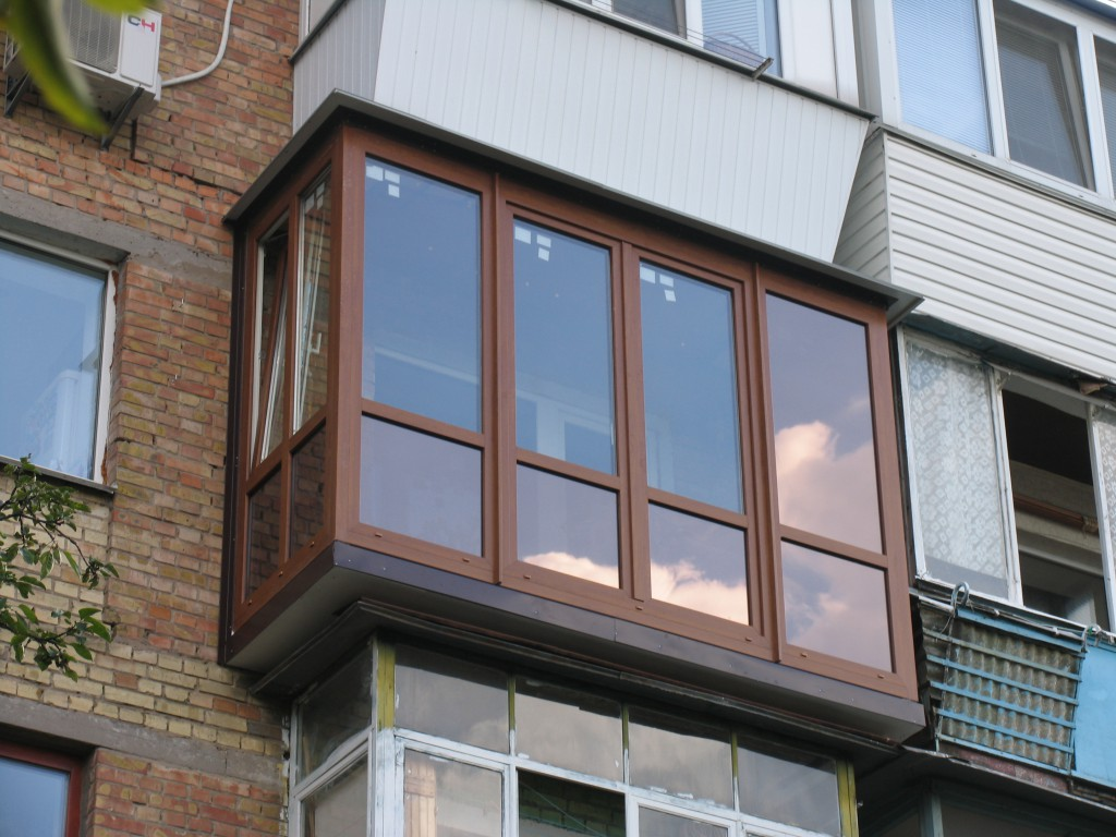 Остекление балкона и лоджии П44Т – на что обратить внимание