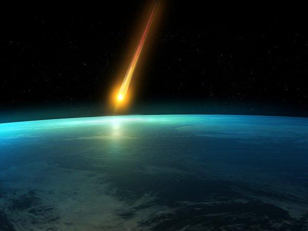 К Земле приближается гигантская комета