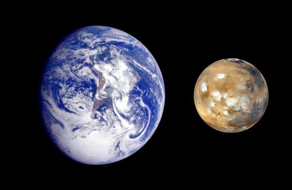 Подальше от Солнца: Ученые предложили взорвать Марс, а на его орбиту передвинуть Землю