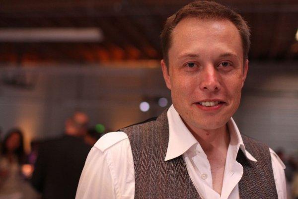 Илон Маск намерен создать сверхзвуковой электросамолет
