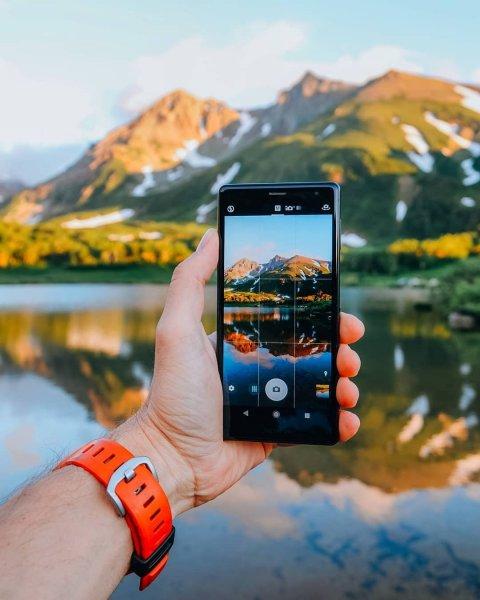 «Мегафон» и МТС начали обмен старых смартфонов Sony и LG на новые