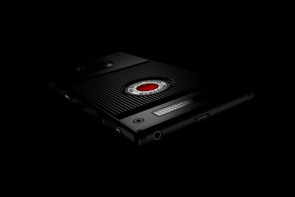 Новый смартфон Red Hydrogen One выпустят с титановым корпусом