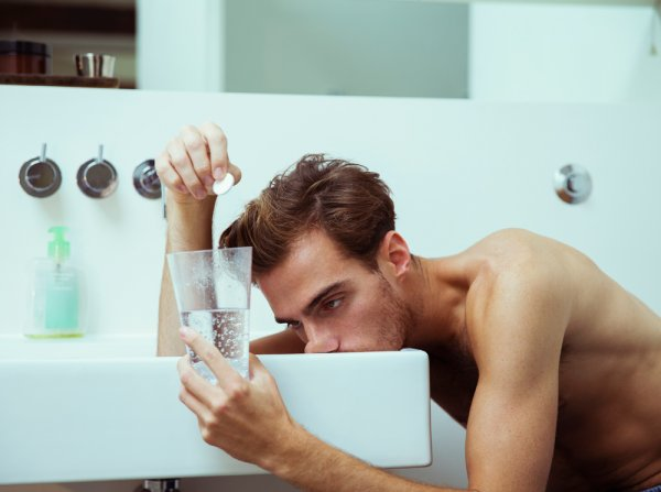 Ученые назвали два простых и эффективных метода против похмелья