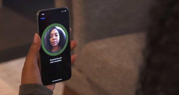 Близнецы смогли обмануть Face ID на iPhone